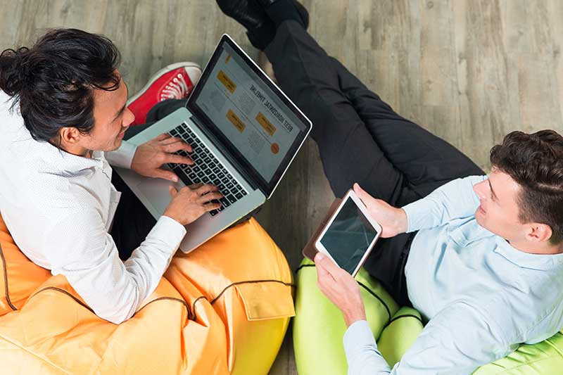 Freelancing While Building A Startup? How To Manage Between The Two